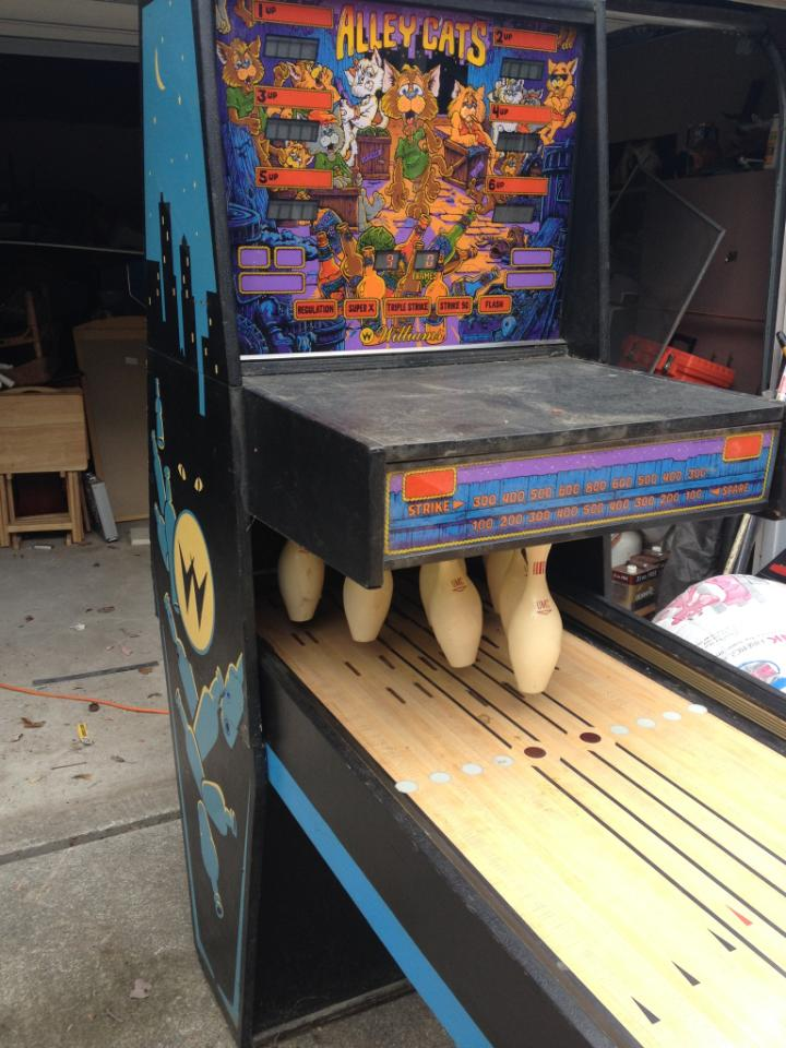 Williams Alley Cats Puck Bowler Game For Sale In Bucks