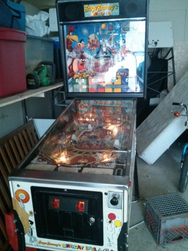 Full game of Bug Bunny's Birthday Ball pinball machine for sale.