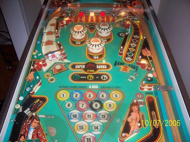 eight pinball machine sale