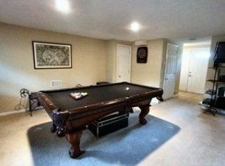 Pool table for sale in Newark, Delaware