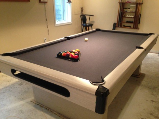 8u2032 Ashcroft Brunswick Pool Table For Sale In Des Moines Ia.