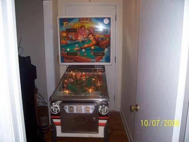 eight ch pinball machine for sale